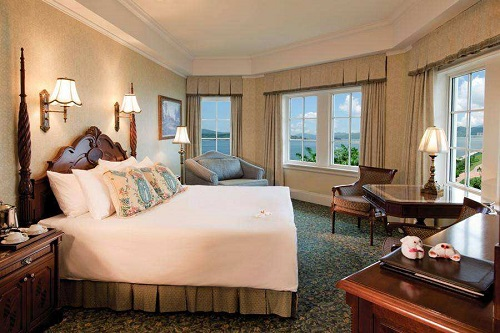 Disney Springs hotel,Disney hotel,Disney Springs Resort ,Disney Springs hotel guests gain more park benefits