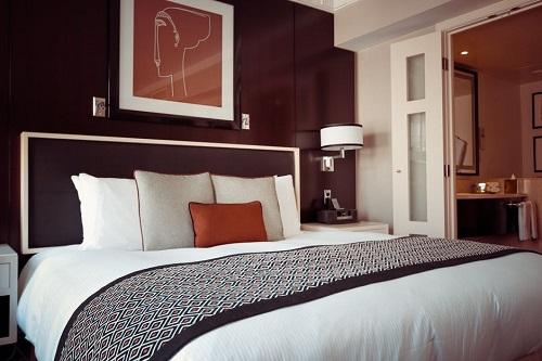 MENA hotels,Falling profits hit MENA hotels